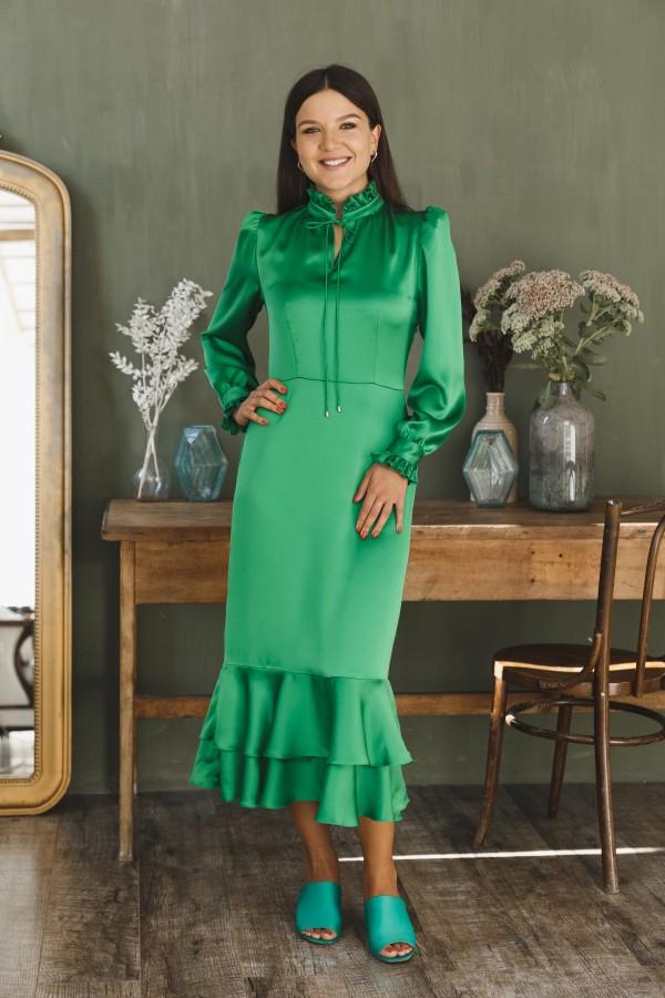 Платье атласное зеленое