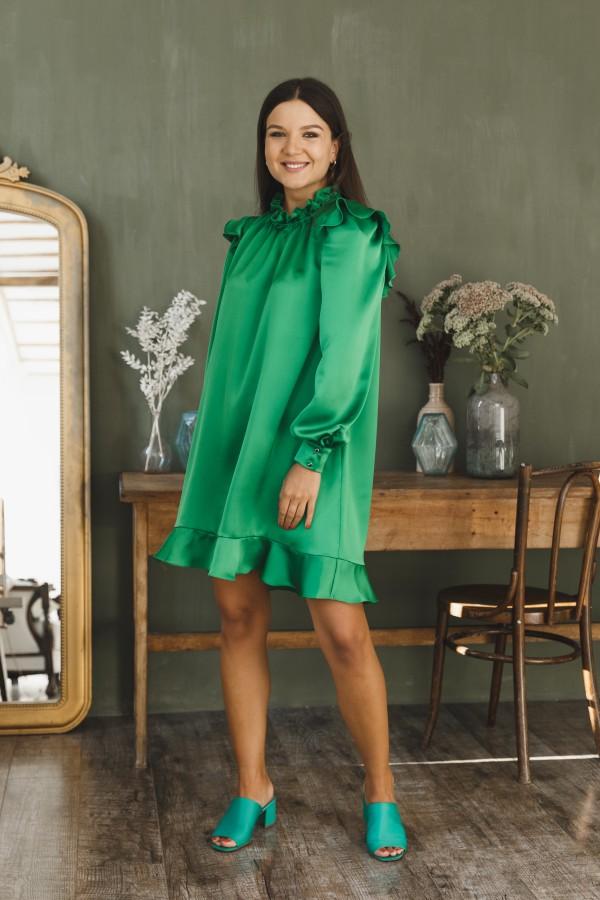 Платье атласное короткое