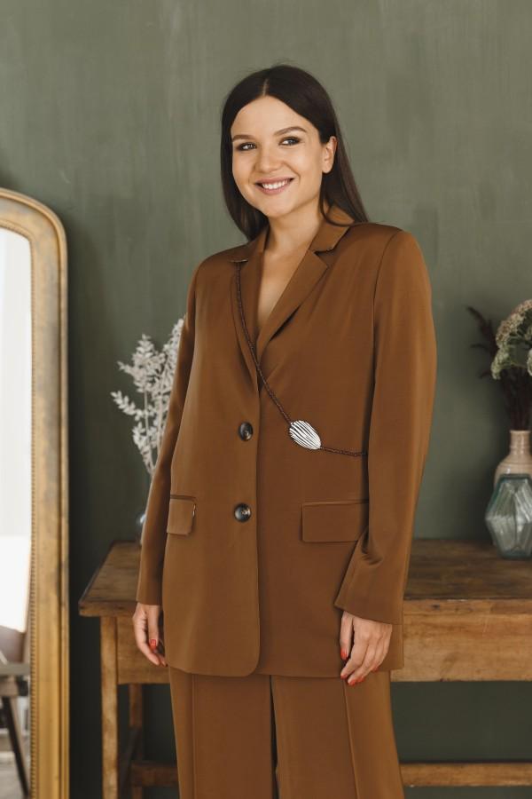 Пиджак коричневый атласный