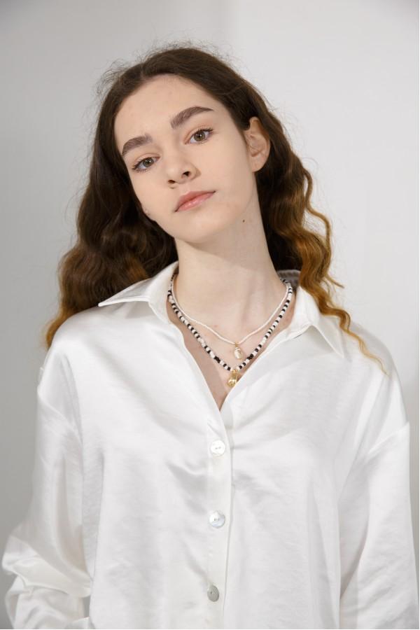 Рубашка атласная белая